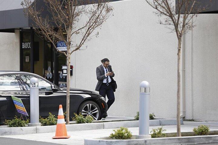 Fetulahçı Terör Örgütünün (FETÖ) Amerika'daki çatı örgütlerinden, Santa Clara kentine bağlı Sunnyvale semtinde bulunan Pacifica Institute (Pasifik Enstitüsü) Silikon Vadisi şubesinin başkanlığını Nakıboğlu ailesiyle yakın ilişkisi bulunan Mahmut Altun yürütüyor.