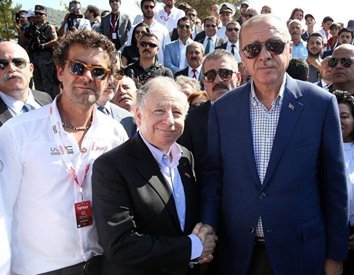 FIA Başkanı Todta teşekkürlerini ileten Erdoğan, Önümüzdeki yıl yine beraber olacağız, yine birlikte inşallah bu yarışmayı izleyeceğiz, takip edeceğiz. diye konuştu.