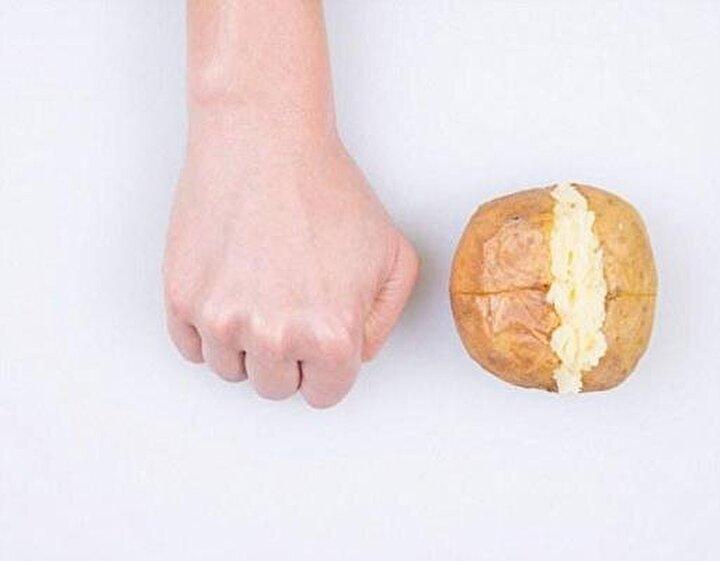 Karbonhidrat içeren besinlerde tüketeceğiniz porsiyon bir yumruğunuzu geçmemeli.