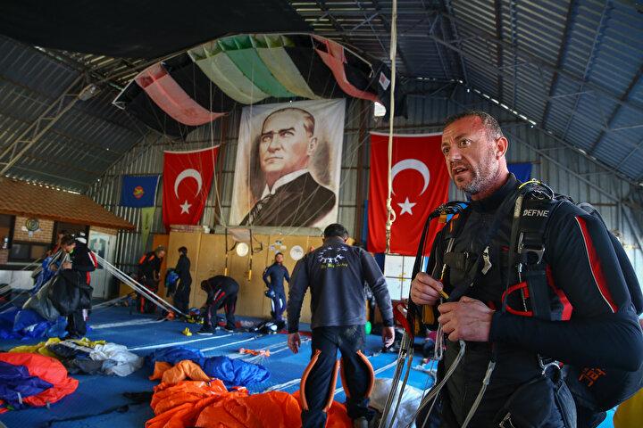 Atlayışlarda, 2015 yılında 39 kişiyle ulaşılan Türkiye Serbest Düşüşte El Ele Tutuşma Rekoru kırılamadı.