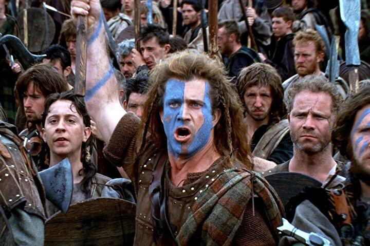 Mel Gibson'un ünlü İskoç halk kahramanı William Wallace'ı hem canlandırdığı hem de yönettiği filmi kısa sürede bir fenomene dönüşmüştü.