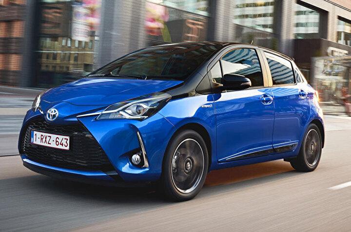 Toyota Yaris Hybrid bir ilki başardı. Elektrikli otomobil üretiminde büyük bir atılıma imza atan Japon otomotiv devi Toyoya, Yaris modeli ile beklenilen başarıyı gösterdi. ilk olarak 2012 yıkında satışa sunduğu Toyota Yaris Hybrid kullanıcılarının beğenisine sunulduğu günden itibaren satış rakamlarında büyük bir başarıyı yakaladı ve 2018 yılında da rekor üretim bandına ulaştı.