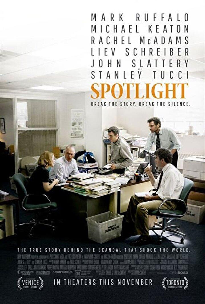 Spotlight - 'Spotlight', gelmiş geçmiş en iyi gazetecilik filmlerinden biri olarak gösteriliyor. Bu gerçek bir hikâye... Tacizci rahiplerin peşine düşen araştırmacı gazeteci 'Spotlight' ekibiyle Pulitzer'i kazandı.
