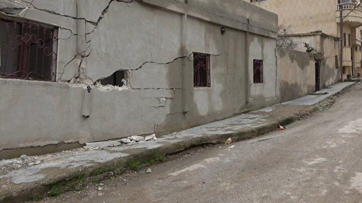 Ceylanpınarın karşısında bulunan Rasulayn merkezdeki Harabat Mahallesinde ve Asfar Neccar bölgesinde kazı çalışması yapılan 2 tünel, aşırı yağış nedeniyle çöktü.