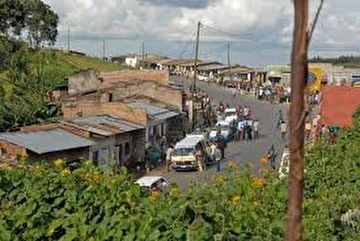 Nkurunziza, 2007de siyasi başkentin Gitegaya taşınması sözü vermişti.