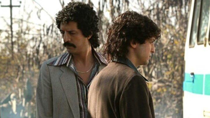 Timuçin Esen'in Müslüm Gürses'i canlandırdığı filmde, Muhterem Nura Zerrin Tekindor, Müslüm Gürsesin babasına ise Turgut Tunçalp hayat veriyor.