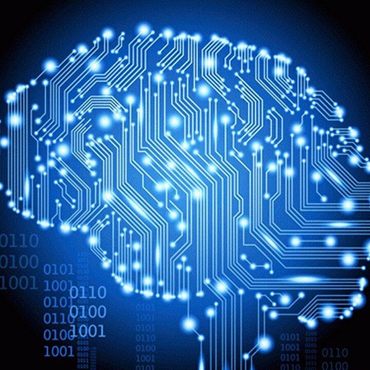 İkinci beyin:  CES 2019da karşımıza çıkan bir cihaz olan OrCam MyMe, kişisel sosyal ilişki asistanı. Günlük hayatınızda kiminle tanıştıysanız hakkında bir araştırma yapan ve size onunla ilgili bilgileri toplayan, üzerinde minik bir kamera bulunduran bu cihaz, tabii ki 5Gden yararlanacak ve gelecekte farklı modüllerle hayatımızda olabilir. Ne gibi mi? Mesela Black Mirrordaki The Entire History of You bölümündeki lens gibi. Teknoloji devlerinin bu yönde de çalışmaları olduğunun altını çizelim.
