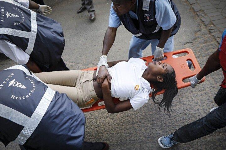 Kenyanın başkentinde bir otele düzenlenen ve terör örgütü Eş-Şebabın üstlendiği saldırıda patlama sesleri duyulmuş ardından militanlar ve polis arasında çatışma çıkmıştı.