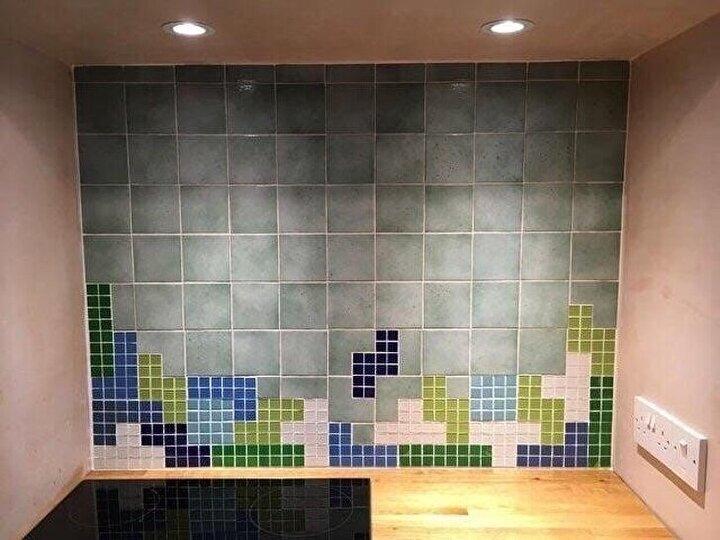 Tetris temalı duvar.