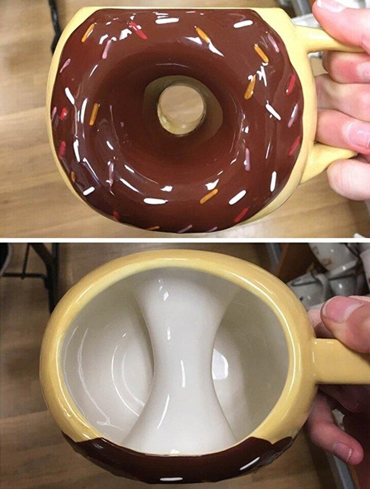 Ünlü tatlı doughnut (donut) şeklinde bardak.