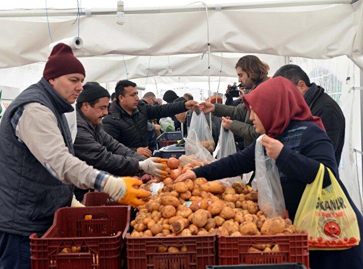 Tarım Kredi Kooperatiflerinin, aracıları devre dışı bırakarak, belediyelerin tanzim mağazalarında satılacak ürünleri çiftçilerden doğrudan temin etmesi temeline dayanan uygulamaya çiftçiler de destek verdi.