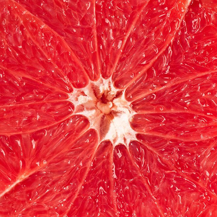 Pembe greygurt: A ve B gurubu vitaminlerini içerir. Saç, cilt ve göz hücrelerini onarmaktadır. Böbreklerde kum ve taş oluşumunu önler.