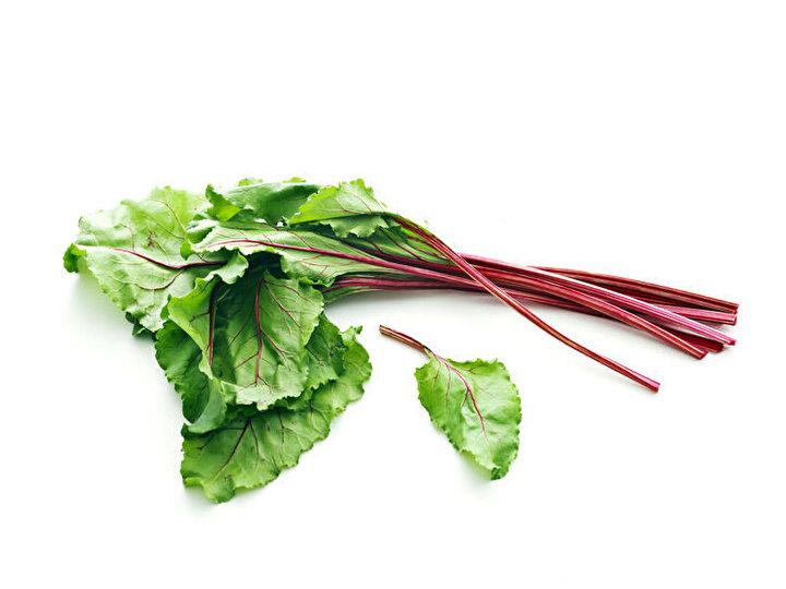 Pancar yaprağı: Kalsiyum, demir, K vitamin ve B grubu vitaminler açısından değerlidir. Sebzesinden çok daha fazla protein içerir. Düzenli olarak tüketildiğinde doğal ilaç yerine geçebilir.