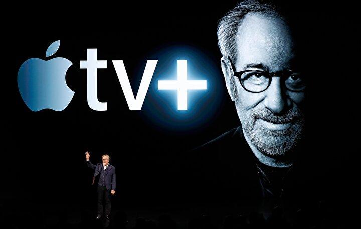 Ünlü yönetmen Steven Spielberg sahneye çıkarak Apple TV için yapacağı orjinal içeriklerden bahsetti.