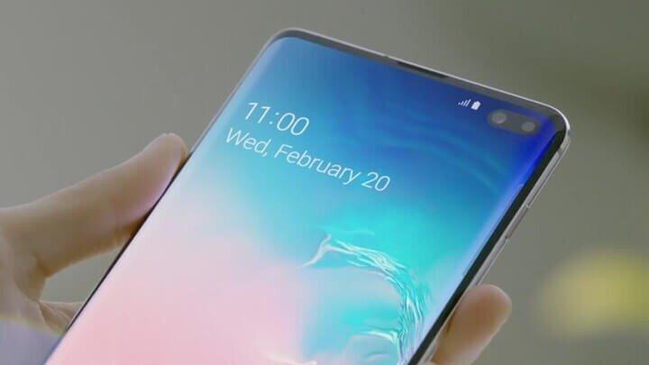 Samsung Galaxy S10 Plus:  Samsung'un en son amiral gemisi olan Samsung Galaxy S10 Plus, arkasında üç kamera ve önünde iki kamera bulunuyor. Cebinizde çok yönlü bir kameraya sahip olmayı seviyorsanız, o zaman bu telefon tam size göre olabilir.