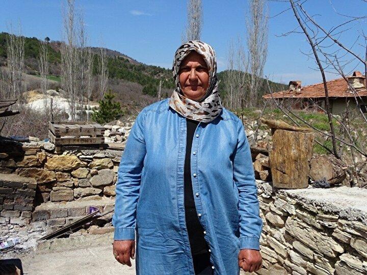 Kütahya'nın Hisarcık ilçe tarihinde ilk defa bir kadın 31 Mart Yerel Seçimlerinde Yenipınar Köyü Muhtarlığına seçildi. 35 yıl İstanbul'da ikamet ettikten sonra 5 yıl önce köyü Yenipınar'a dönen 3 çocuk, 3 torun sahibi ev hanımı 55 yaşındaki Hatice Gülmez, aday olduğu 31 Mart Köy Muhtarlığı seçimlerinde eski Muhtar Halil Kayıp'a karşı geçerli 31 oyun 26'sını alarak ilçe tarihinde ilk kadın muhtar unvanını aldı.