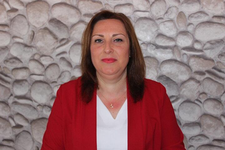 Edirnede Nesrin Çağlar, kentteki 24 mahalle içinde tek kadın muhtar oldu. Medrese Alibey Mahallesinde 5 erkek rakibine karşı yarışan 44 yaşındaki Nesrin Çağlar, aldığı bin 77 oy ile en yakın rakibine 210 oy fark atarak kesin olmayan sonuçlara göre muhtar seçildi.