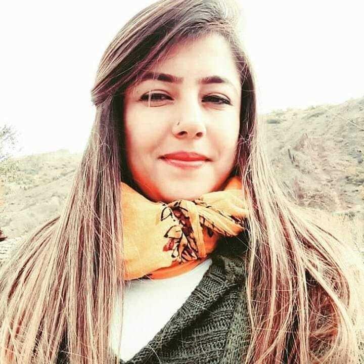 Sivasın Divriği ilçesinde Kayacık Mahallesi'nin ilk kadın muhtarı Özlem Kartal.