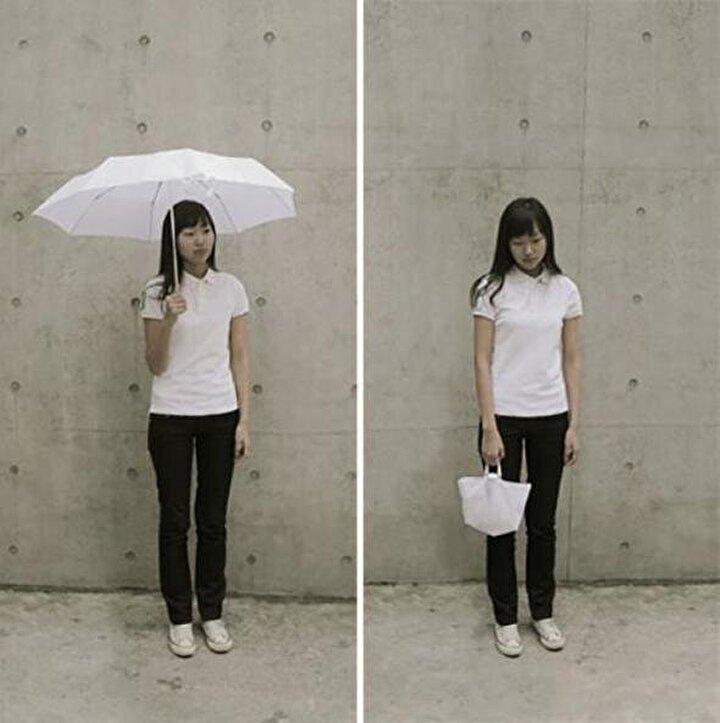 Çanta haline gelebilen şemsiyeymiş!