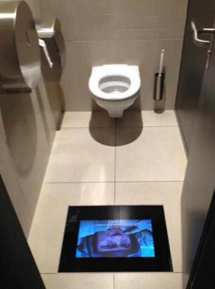 Tuvalette fazlaca zaman geçirenler için düşünülmüş...