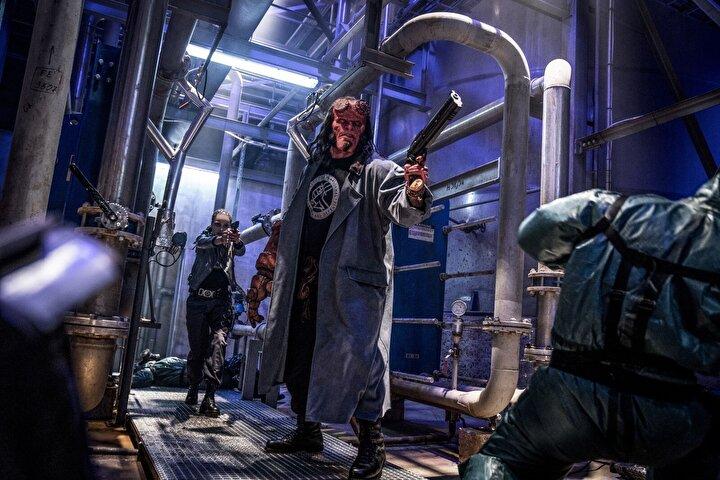 Mike Mignolanın ünlü grafik romanının yeni sinema uyarlaması Hellboyun başrolünde bu kez David Harbour yer alıyor.