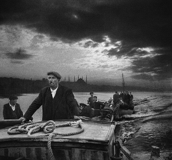 """Cumhurbaşkanlığı tarafından düzenlenen """"Ara Güler Sergisi, geçen yıl hayatını kaybeden fotoğraf sanatçısı ve foto muhabir Ara Gülerin eserlerini dünya başkentlerinde sanatseverlerle buluşturacak."""