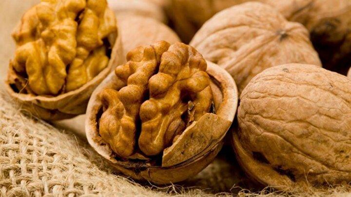 Ceviz - Yağlı tohumlar besinlerin mideden geçiş hızını yavaşlattığı için tokluğun uzamasına neden olur. Bu nedenle sahurda; ceviz ve fındık gibi yağlı tohumlardan tüketebilirsiniz.