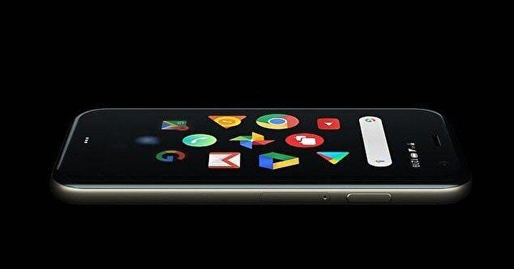Kredi kartı büyüklüğündeki telefon Googleın uygulama mağazasındaki tüm Android uygulamalarını çalıştırabiliyor.