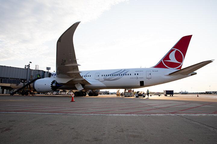 ÇOK ÖZEL VE ANLAMLI BİR GÜN:787-9 Dreamlinerın ilk İstanbul-Washington seferiyle ilgili AA muhabirine açıklama yapan THY Washington Müdürü Özer Güler, yaşadıkları mutluluk ve heyecanı anlattı.