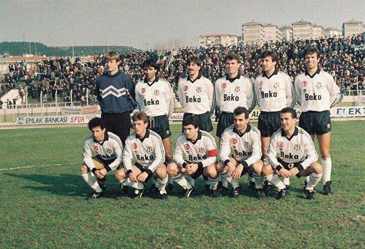 Yenilgisiz şampiyon olan takım: 1991-1992 sezonunda Beşiktaş.