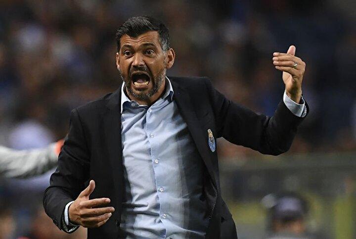 Ancak geçtiğimiz sezonun devre arasından beri gönderilmeye çalışılan Quaresma için o dönemde de Porto söylentileri fazlaca çıkmış ancak Sergio Conçeiçao istemediği için bu transfer gerçekleşmemişti.