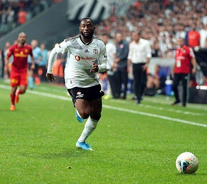 Eğer Jeremain Lens gönderilirse hemen bir kanat transferi yapılacak, gönderilemez ise Beşiktaşın kanat oyuncuları devre arasına kadar Boyd, NKoudou ve Lens olacak.