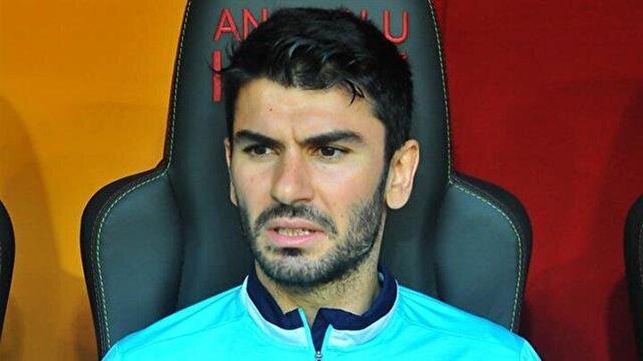 Uzun yıllar 4 Büyüklerin transfer gündeminde olan Serdar Taşçı, geçen sezonun devre arasında Başakşehire transfer olmuştu. Turuncu-lacivertli ekipte beklentileri karşılayamayan 32 yaşındaki savunmacının sözleşmesi uzatılmadı.