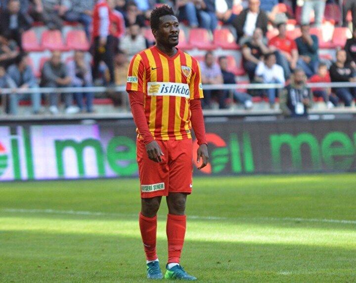 Kayserisporla sözleşmesi sona eren Ganalı golcü Asamoah Gyan, kulüpsüz kaldı. 33 yaşındaki futbolcu Süper Ligde çıktığı 26 maçta sadece 5 gol atabilmişti.