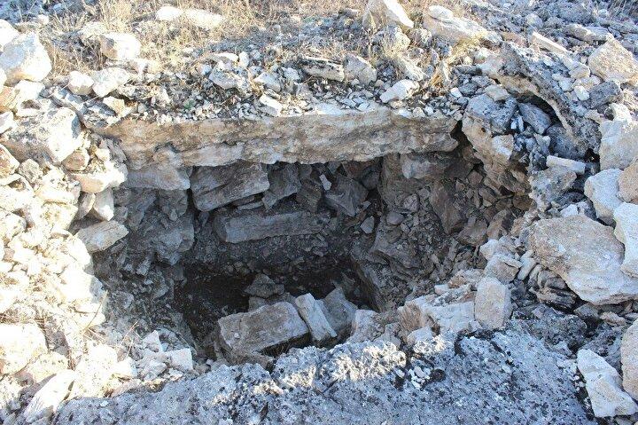 Burada bir çalışma yapılsa ciddi anlamda turist çeker. Ben bu genişlikte bir nekropolü Türkiyede göremedim. Buranın çok eski olmasından dolayı ayrıca bir öneme sahip.