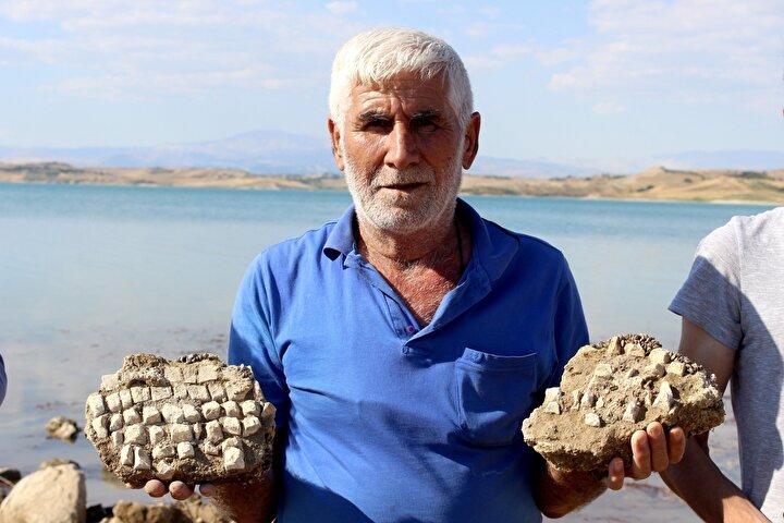 Tarihi ve kültürel yapılar bakımından oldukça zengin olan Adıyaman'ın toprak altında kalan tarihi yapılarından her gün bir yenisi daha gün yüzüne çıkıyor. Bu yıl yağışların fazla olması nedeniyle baraj göleti son yılların en yüksek seviyesine ulaşınca, dalgaların gelgitlerle dövdüğü kıyıda mozaik taşları fark edildi.