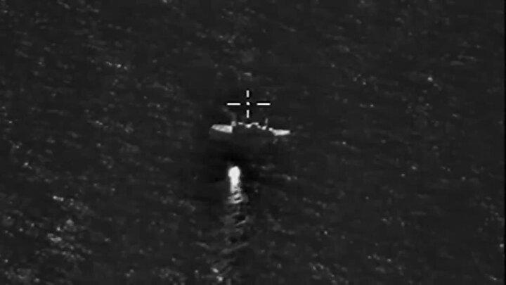 Rusya Savunma Bakanlığı, Rusya Deniz Kuvvetlerinin Pasifik Okyanusundaki filosunun yaptığı eğitimde, 350 kilometre uzaklıkta mevzilendirilen geminin vurulduğunu duyurdu. Görüntüler ise sosyal medya hesabında paylaşıldı.