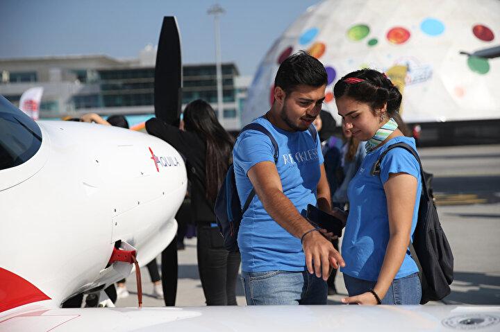 Take Off İstanbul Uluslararası Girişim Zirvesinde uluslararası güçlü girişimler, yatırımcılar, mentorlar ve kurumsal firmalar 16-19 Eylülde bir araya gelecek. Zirvede, yerli teknoloji girişimlerinin yanı sıra uluslararası girişimler de yer alarak, ürün ve hizmetlerini teknoloji satın alan şirketler ve yatırımcılara sunma imkanı yakalayacak.