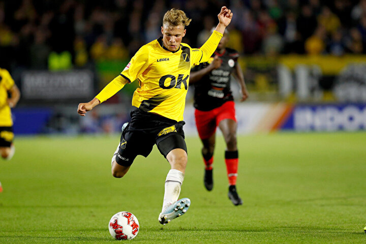 NAC Bredanın Az Alkmaar IIyi 2-1 yendiği maçta iki gol birden atan Sydney, ayrıca kazanılan Excelsior ve NEC Nicmegen maçlarında da birer gol kaydetti.