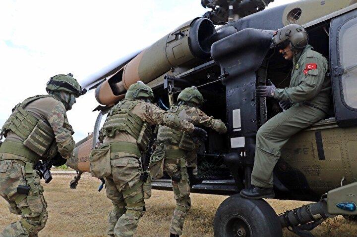 Komandolar savaş provasını böyle yapıyor