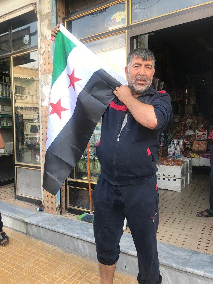 Harekat kapsamında işgalden kurtulan Tel Abyaddaki halk mutlu.