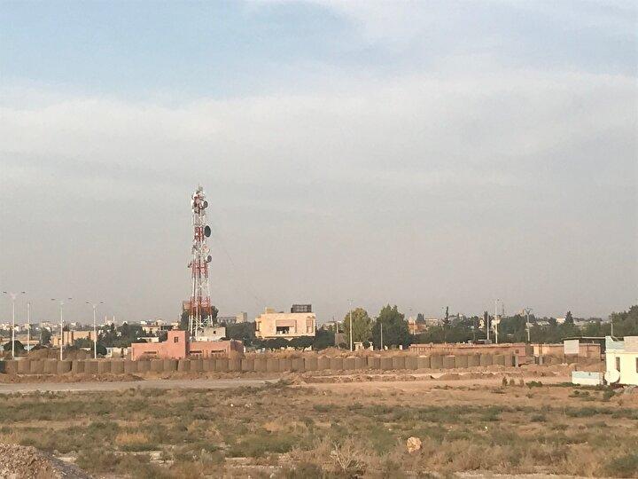 Türk Silahlı Kuvvetleri ve Milli Suriye Ordusu 9 Ekimde Fıratın doğusunda bölgedeki barış, huzur ve güvenliği sağlamak amacıyla Barış Pınarı Harekatına başladı.