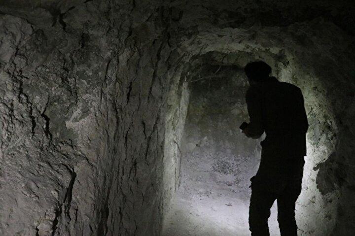 Merdivenlerle yerin yaklaşık 13 metre altına inilen tünel, 3 metre yüksekliğe ve 2,5 metre genişliğe sahip.