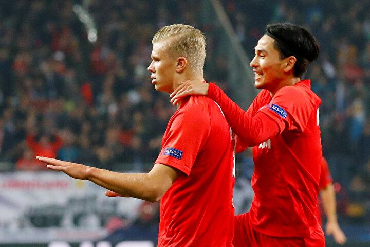 Şampiyonlar Liginde forma giydiği ilk 3 maçta 6 gol atan Norveçli futbolcu, bu istatistiği başaran da ilk futbolcu oldu.