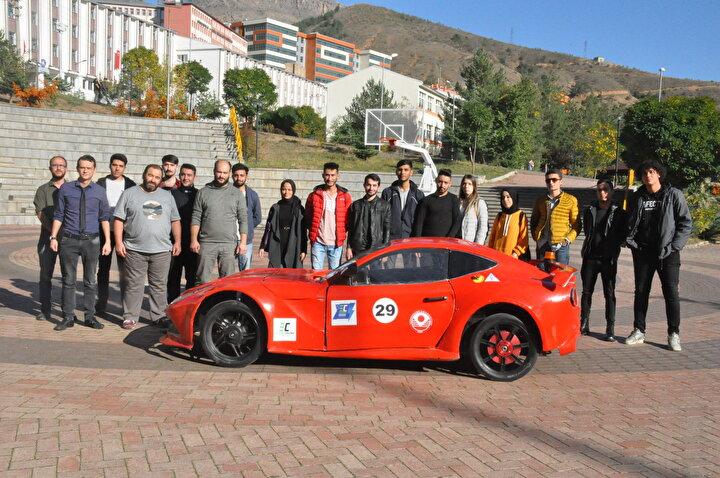 Gümüşhane Üniversitesi Meslek Yüksekokulu Mekatronik Programı, Bilgisayar Programcılığı ve Enerji Sistemleri Mühendisliği bölümü öğrenci ve akademisyenleri, 3 yıl önce yerli otomobil üretimi için çalışma başlattı.