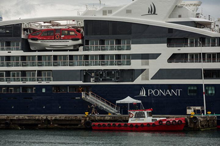 130 metre boyundaki gemi, 185 yolcu ve 124 mürettebat bululuyor.