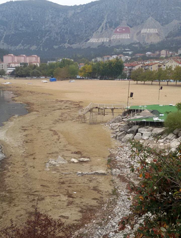 Göl etrafındaki kanalların kapatılması, kirliliğin önlenmesi gerektiğine de işaret eden Kesici, şöyle konuştu: