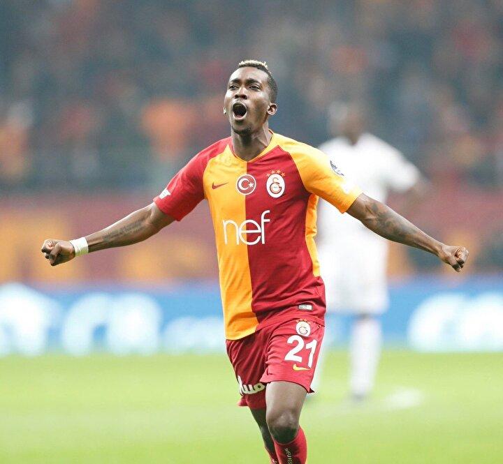 Tecrübeli teknik adamın sezon başında alınması için çok mücadele ettiği ancak kulübün maddi açıdan zora girecek olmasından kaynaklı olarak gerçekleştiremediği Henry Onyekurunun devre arasında Galatasaraya dönmesi kesin gibi.