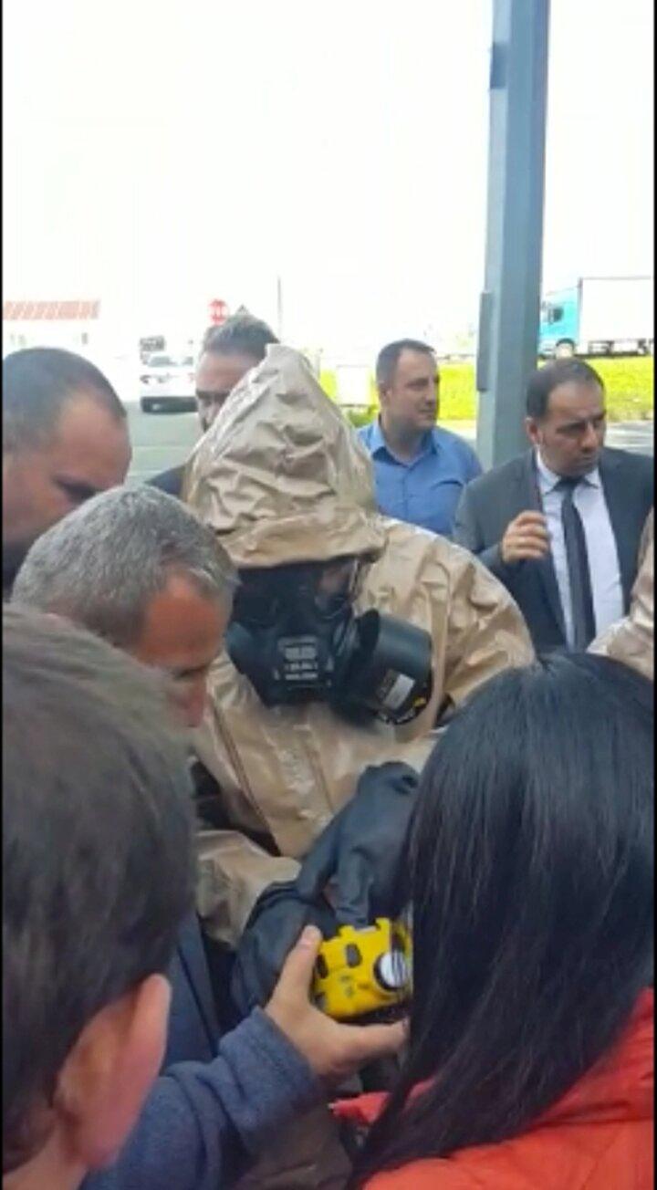 Uzmanlar, alınan toprak ve buhar numunesini incelemek üzere Sağlık Bakanlığının Ankaradaki laboratuvarlarına gönderdi. Numunelerin incelenmesinin ardından kesin sonuçlar açıklanacak.
