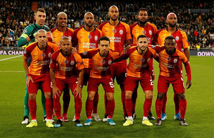 Bu oyuncular bu maçtan sonra üzülmeyecek, bundan eminim. Galatasaray formasını taşımak kolay mı? Çok zor, bu kadar kolay olmamalı, böyle olmaz. Burada ameliyat yapacaksın, başka çaresi yok